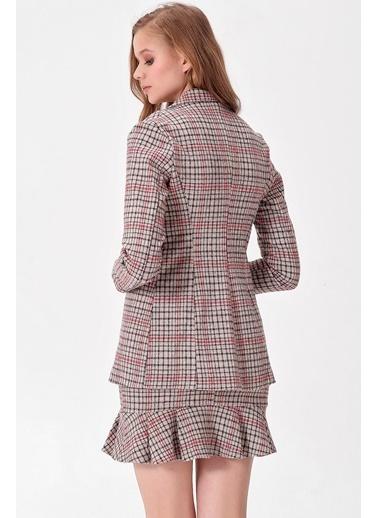 Jument Kadın Desenli Uzun Kol Tek Düğme Kaşe Kışlık Ceket-Siyah Kareli Bej